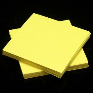 Small origami, Yellow, 5.5cm, 100 sheets, (Papers not perfectly square - sold at a discount), [KY640]